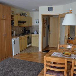 Ferienwohnung Titisee buchen Wohnung 11 Küche und Essplatz
